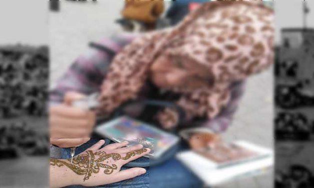 L'arte del tatuaggio Hennè a Marrakech