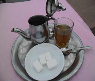 tè in Marocco preparazione